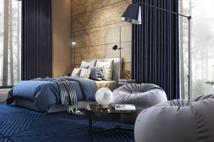 deco de chambre murale carte géographique, lampe de sol, deux poufs géants, tapis moderne bleu