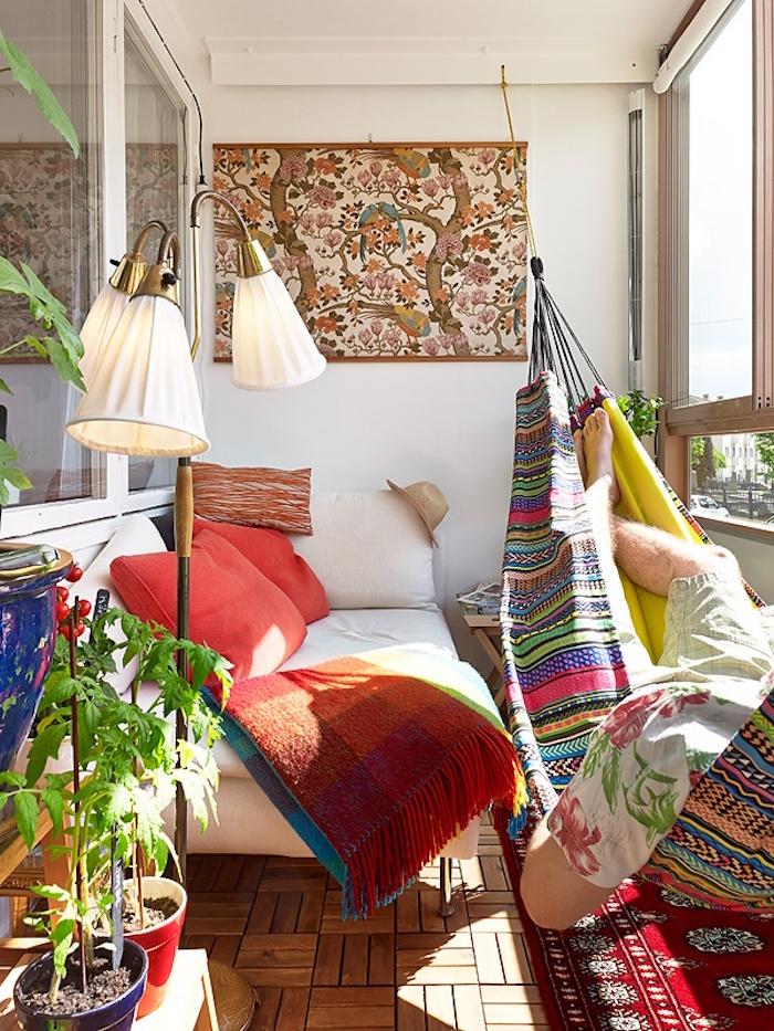 aménagement de balcon intérieur, installer un hamac en intérieur, déco de terrasse d'appartement