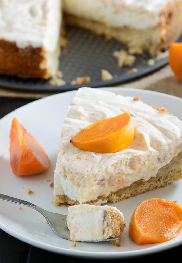 recette diététique de tarte originale aux kakis, yaourt et miel, dessert peu calorique d automne
