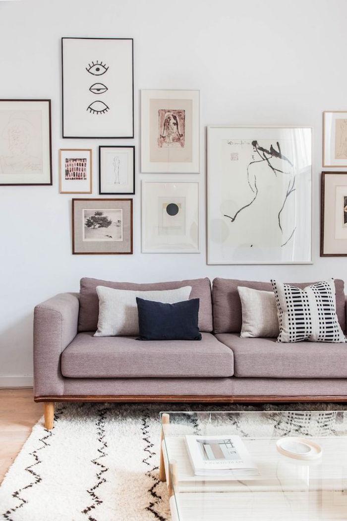 décoration salon style scandinave, deco suedoise minimaliste, canapé gris rose moderne
