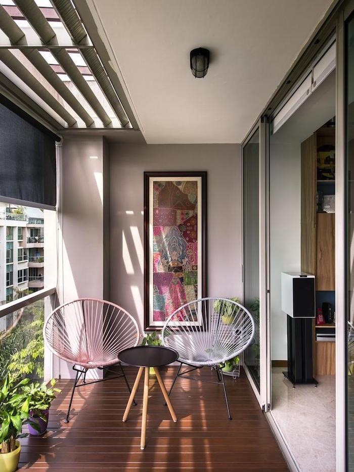 aménager un petit balcon en ville sur parquet, petit rocking chair design pour terrasse