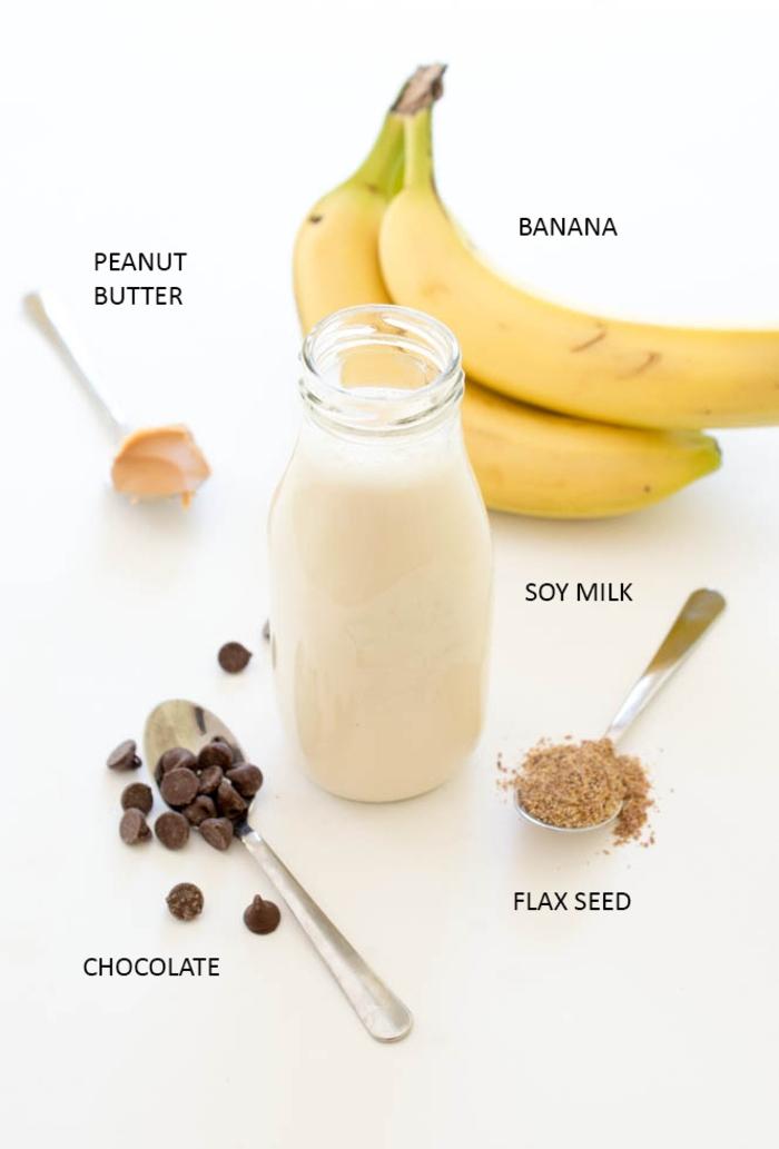 petit-déjeuner gourmand mais santé de smoothie recette protéinée au beurre de cacahuète et lait de soja, liste des ingrédients