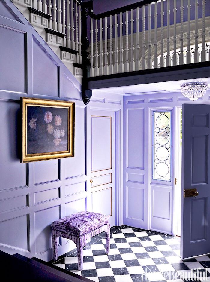 intérieur violet couleur, peindre couloir de maison en mauve, entrée maison couleur lavande