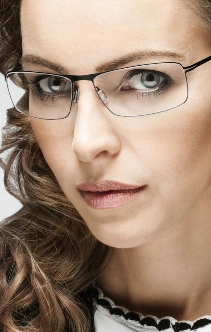 monture lunette, comment choisir ses lunettes, lunette rectangulaire en métal noir, monture très fine, look élégant et professionnel