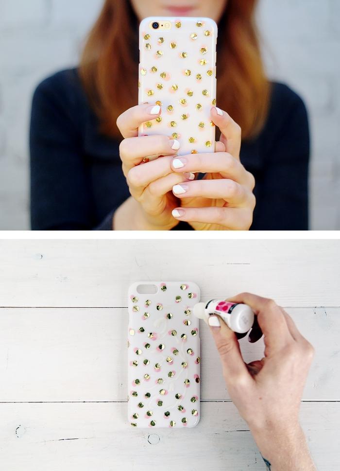 décoration simple et facile avec vernis à ongles rose et strass dorés pour transformer une coque telephone personnalisée blanche