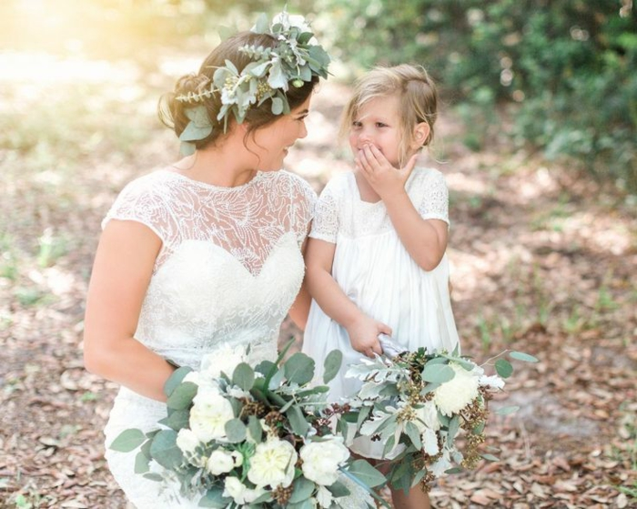 Belle robe demoiselle d'honneur robe petite fille d'honneur idée robe de petite demoiselle similaire de la robe de la mariée