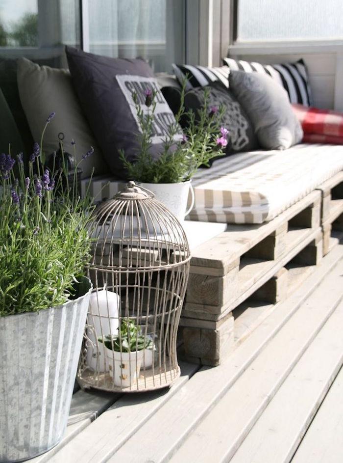 salon de jardin recup, canape de balcon en palettes, meuble diy pour terrasse en palette