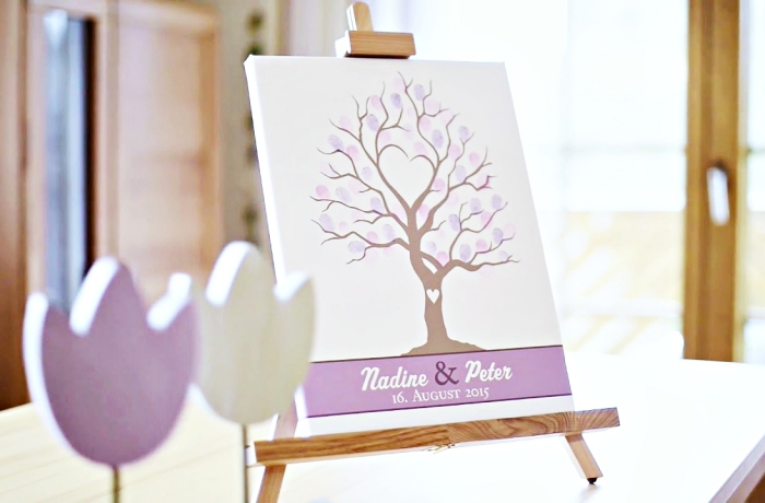 modèle digital d'un arbre a empreinte pour une déco du foyer des jeunes mariés, activité créative et amusante pour les invités d'un mariage