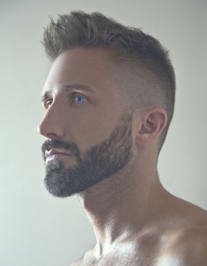 style dégradé barbe courte homme avec coupe dégradé