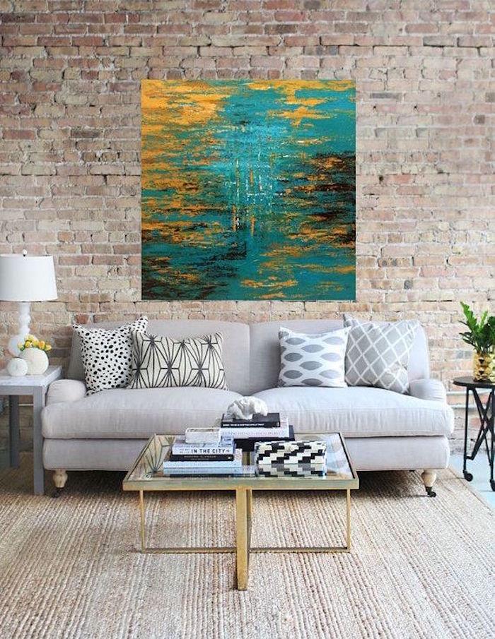 exemple de tableau abstrait, déco sur mur en brique, salon type industriel