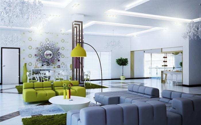 réponse quelle couleur avec le gris, canapé gris et canapé vert moderne, table basse blanche, murs blancs, miroir soleil