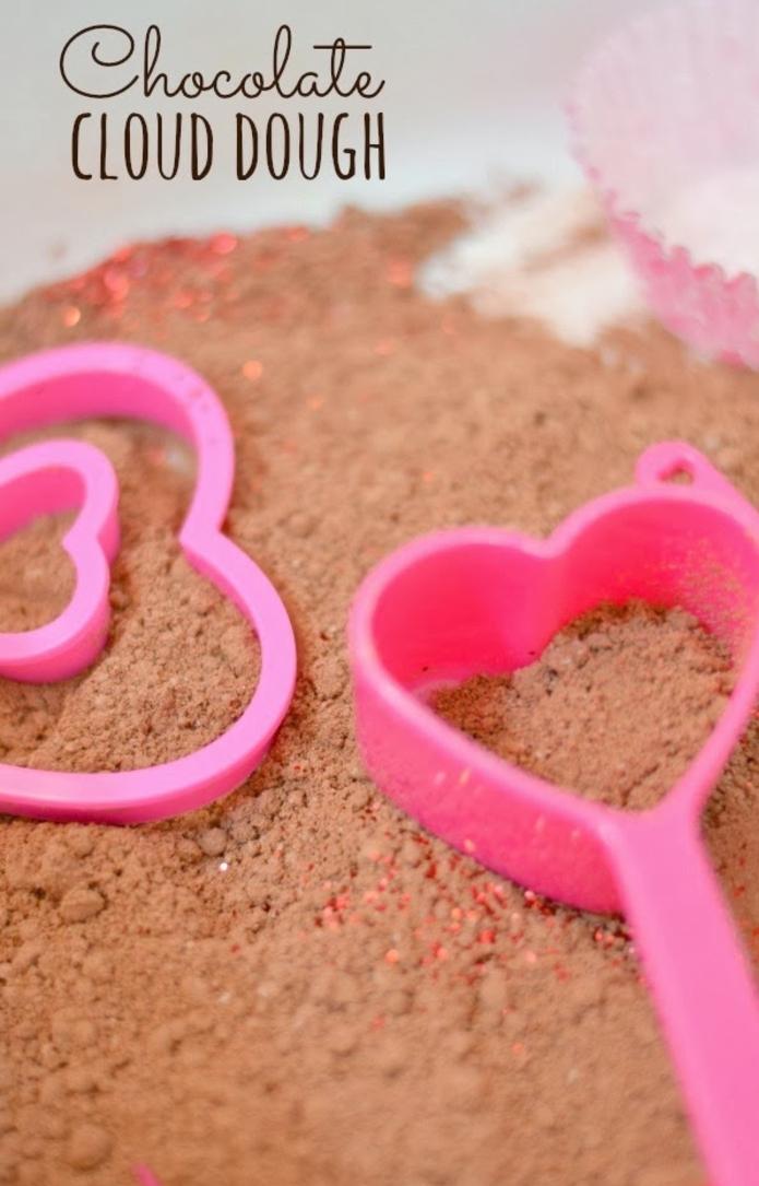 recette de sable cinétique en version chocolatée pour une activité sensorielle enfant sans pareil