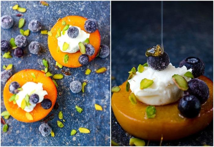 idée pour un dessert après raclette copieuse, recette de pêches poêlées au miel et au yaourt