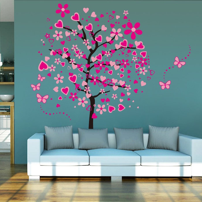 modele de tapisserie moderne vert, sticker arbre à coeurs rose pour mur, peinture murale de salon