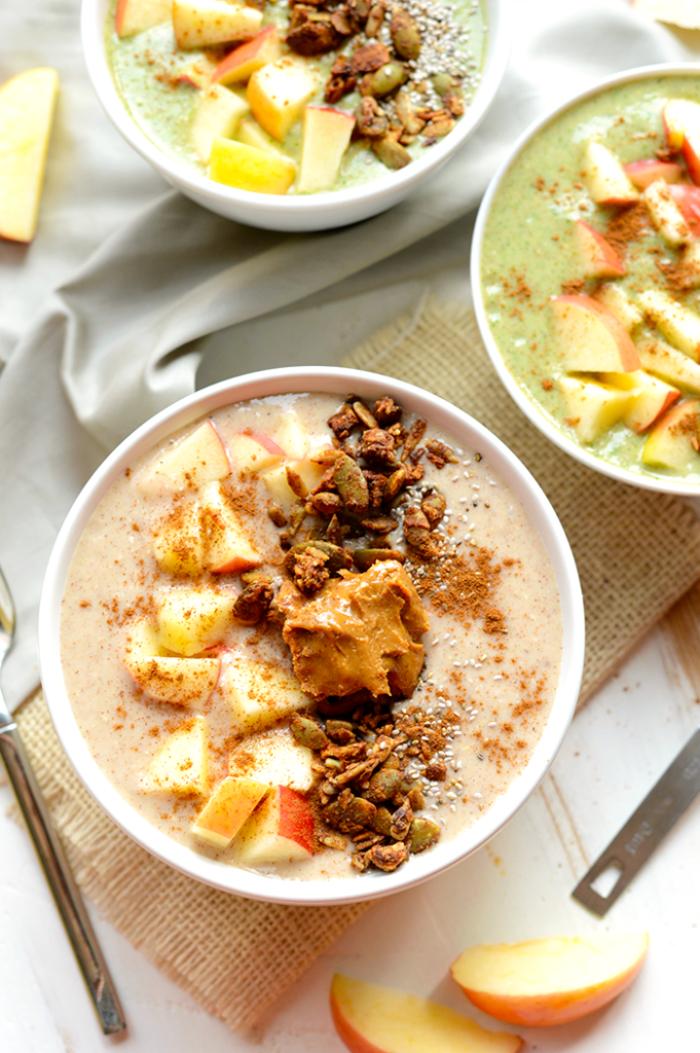 recettes pour une alimentation saine et équilibrée, comment faire des smoothies bowl pour petit-déjeuner ou collation santé
