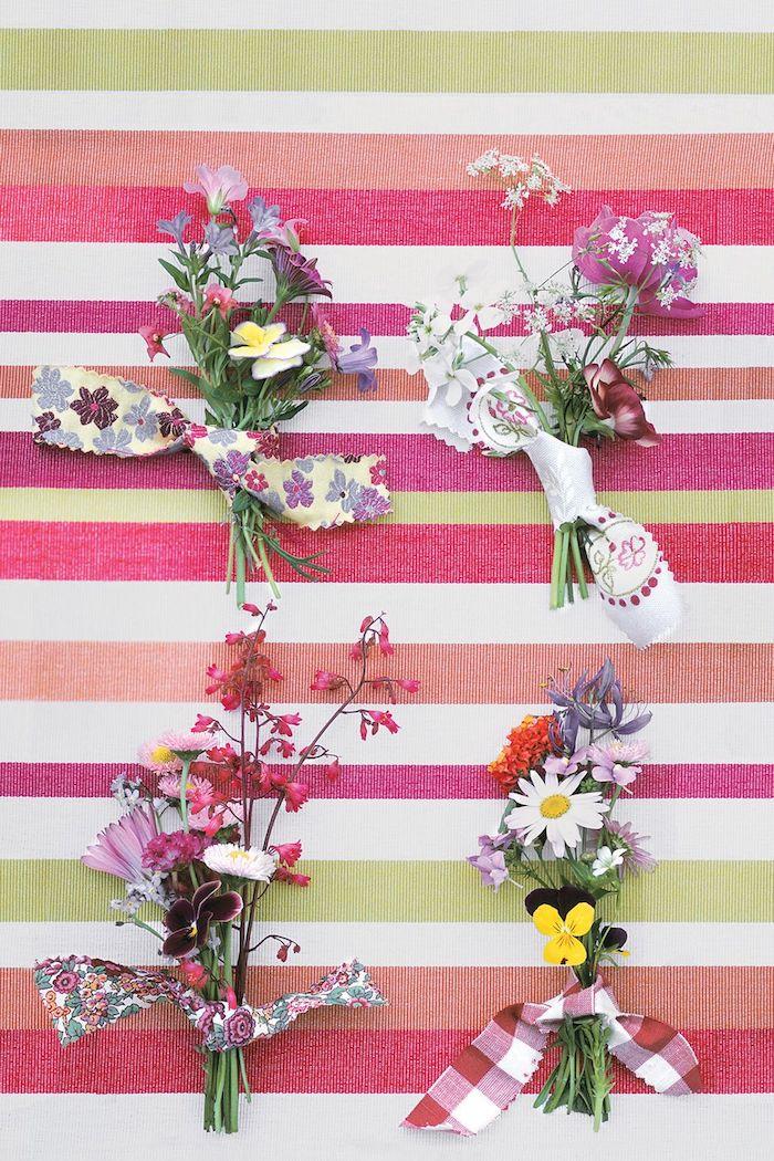 décoration de petits bouquets de fleurs champetres serrés d une chute de tissu coloré, deco maison naturelle, activité manuelle facile et rapide