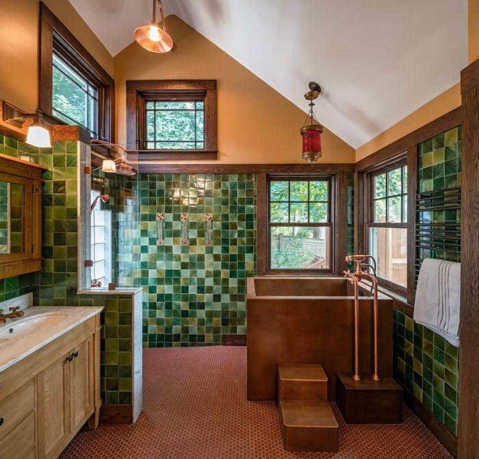 salle de bain 4m4, mosaique verte aux murs, lampe industrielle, meuble sous vasque beige