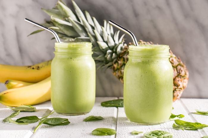 recette de smoothie vert à la banane, ananas et épinards, recette smoothie banane idéal pour un régime détox