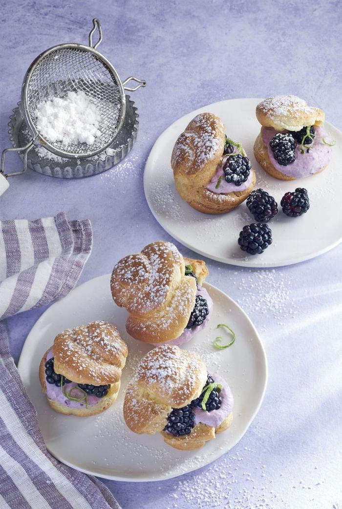 idée pour un dessert léger et gourmand classique mais allégé, de petits-choux à la crème de myrtille et citron