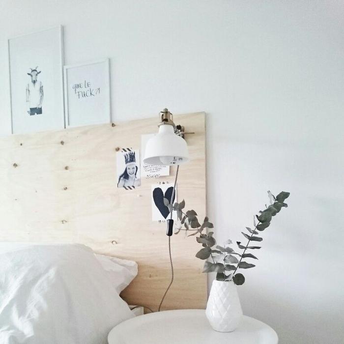 idée pour une deco tete de lit en contreplaqué dans l'esprit minimaliste pour une ambiance sereine et épurée dans la chambre à coucher