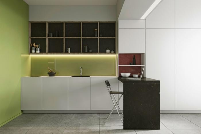 cuisine repeinte en vert réséda, dalles de carrelage en gris clair, meubles et plafond en blanc, étagères casiers en couleur marron clair
