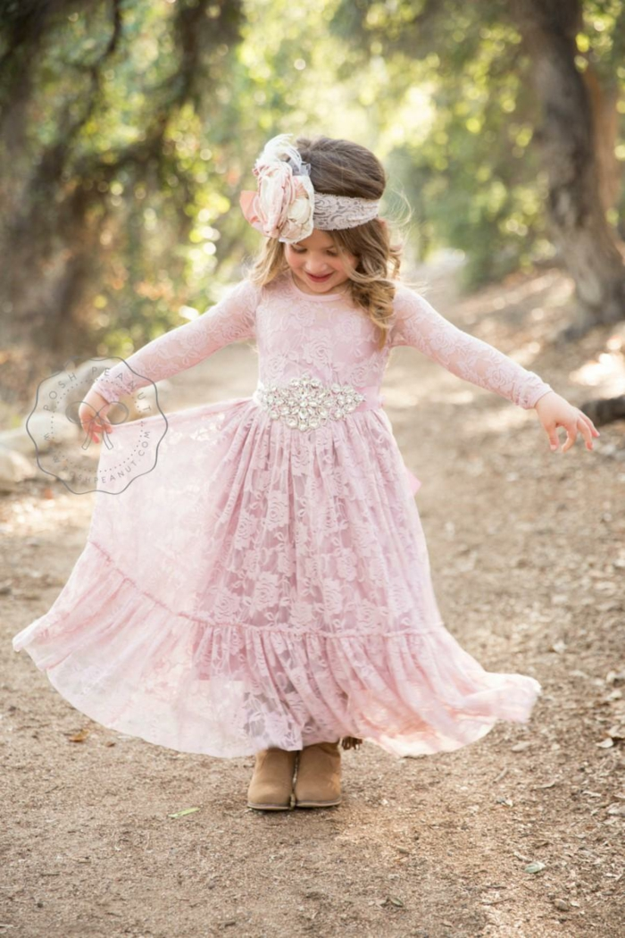 Idée robe vintage bohème chic robe ceremonie enfant tenue bapteme idée comment habiller son enfant pour un mariage