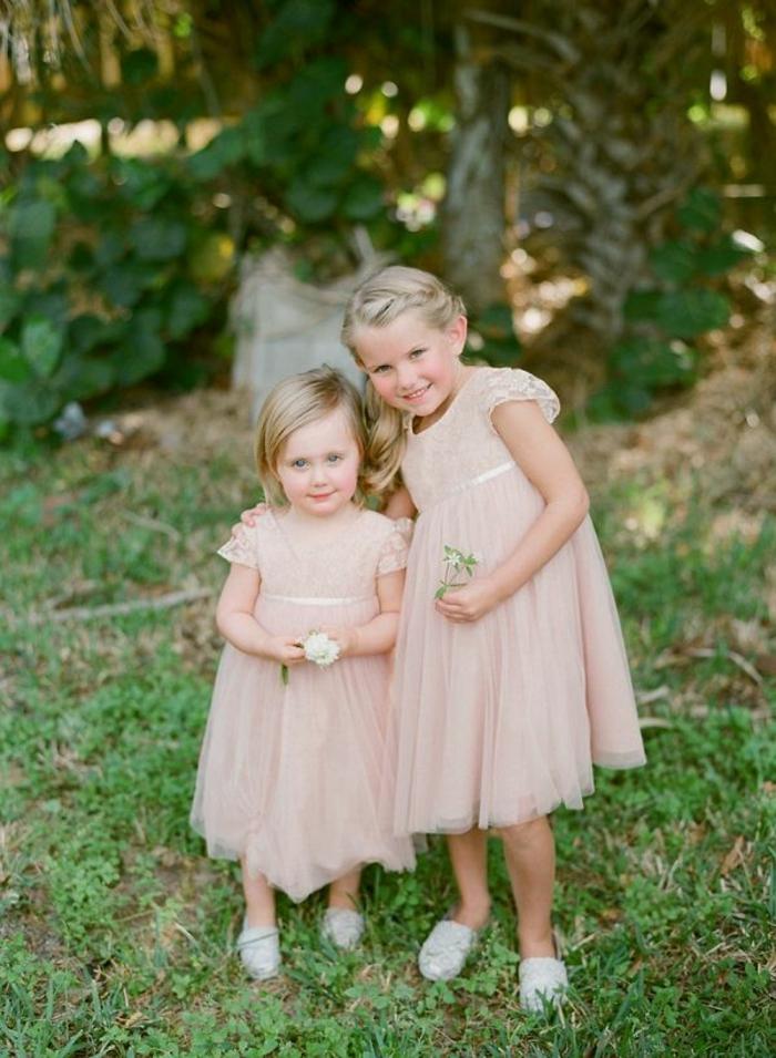 Idée robe de fete fille robe demoiselle d honneur fille belle en blanc rose poudré