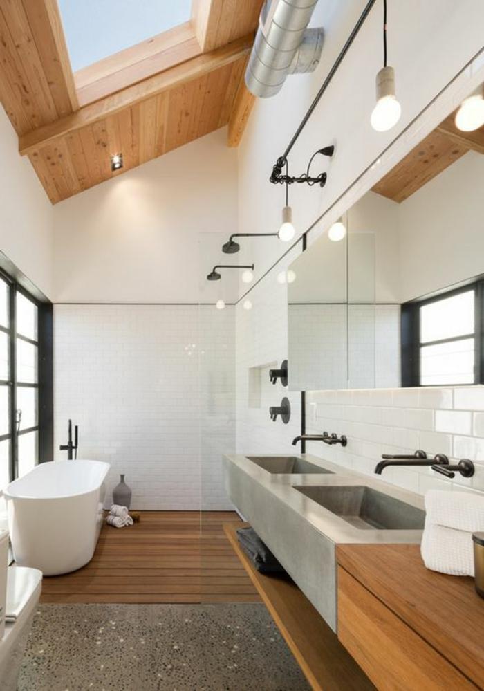 robinets design industriel, puits de lumière encadré de bois, lampes pendantes industrielles
