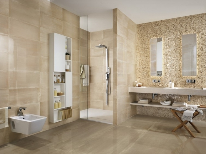 revetement mural salle de bain en carrelage beige et plafond blanc avec cabine de douche en verre, modèle armoire salle de bain en bois peint blanc