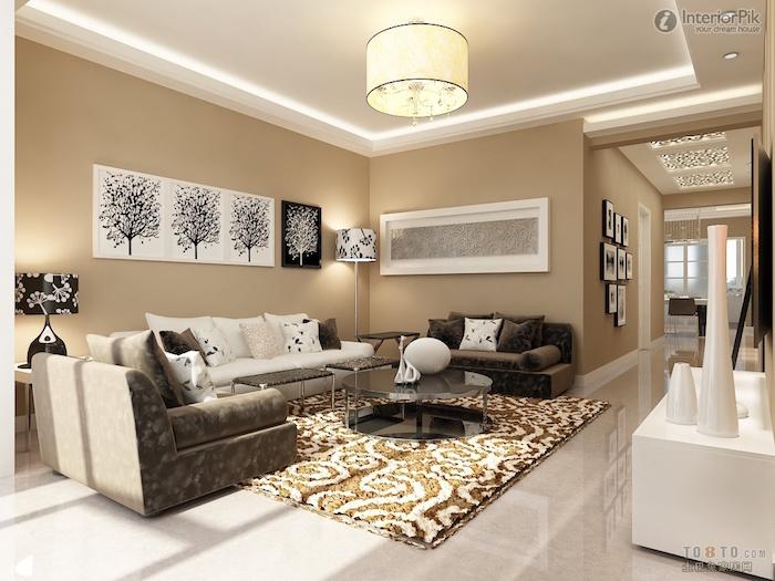 comment décorer un salon beige avec tableaux noir et blanc