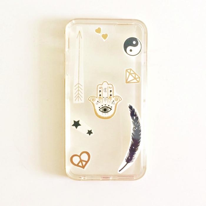 modèle de coque personnalisée en silicone transparente décorée avec stickers autocollants à motifs ethniques