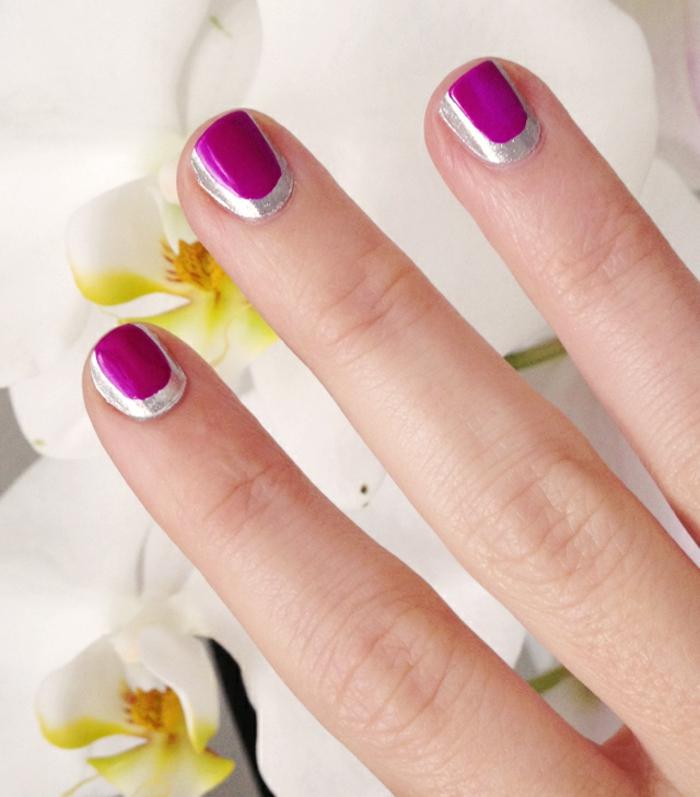 Image de vernis semi permanent mat modele nail art tendance violet et argent