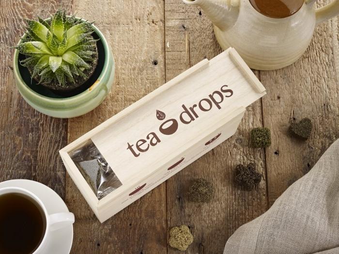 collection de thé en forme de petites cubes d'herbes à offrir à sa grand-mère pour la fête des mamies 2018