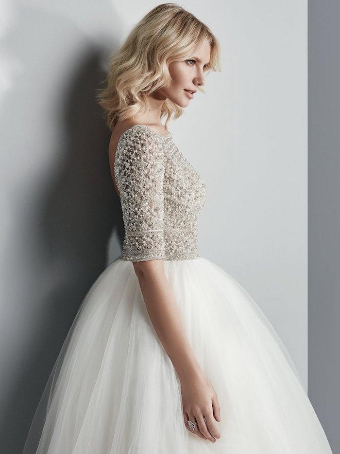 modele robe de mariée courte chic avec haut en strass, robe tutu luxe pour mariage