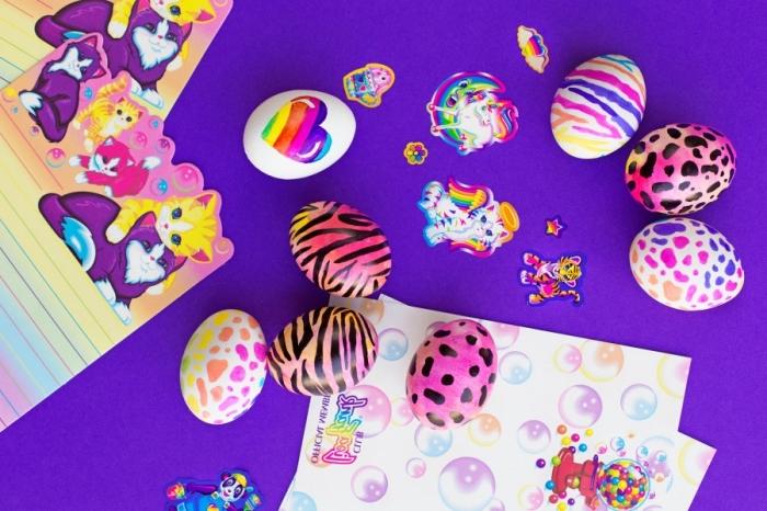 bricolage facile et amusant pour les enfants, déco d'oeufs avec stickers autocollants et peintures acryliques