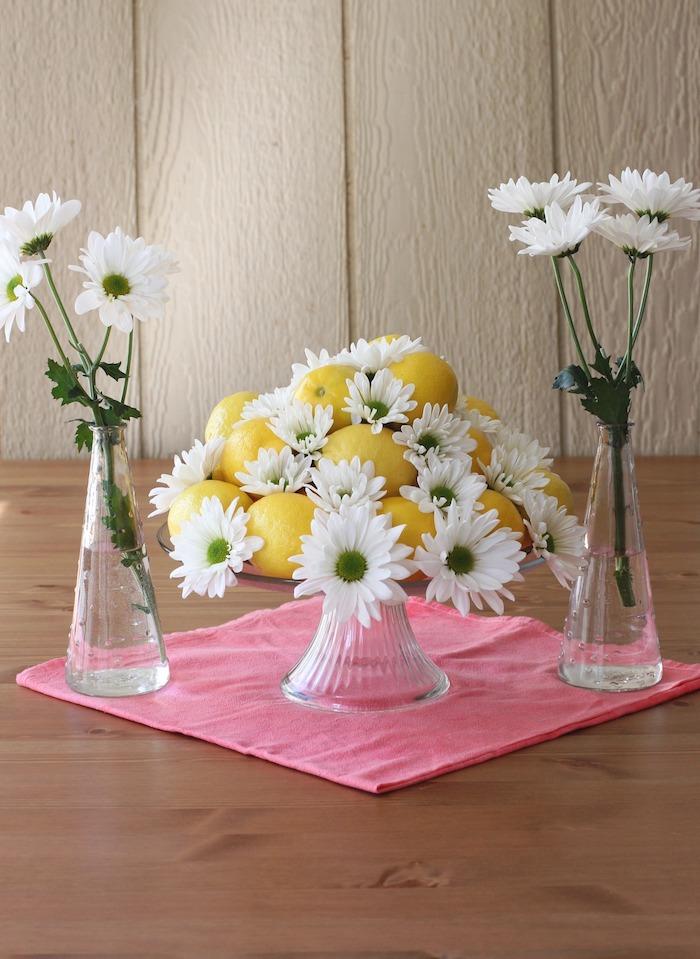 Activité paques déco de Pâques décoration à faire soi meme vase de limons et chrisanthèmes