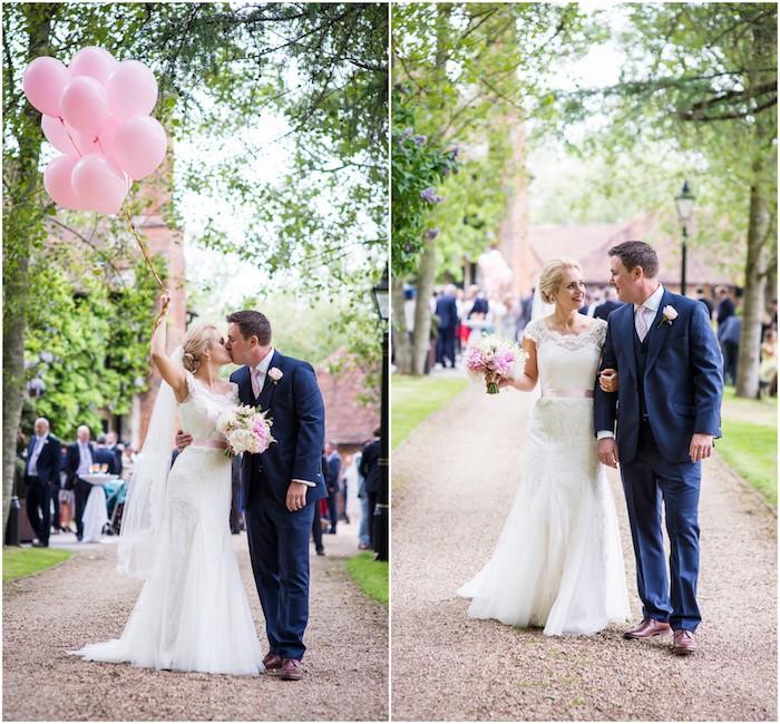 Couple amoureux photo de mariage ballons roses bouquet de mariée pivoines robe longue blanche dentelle