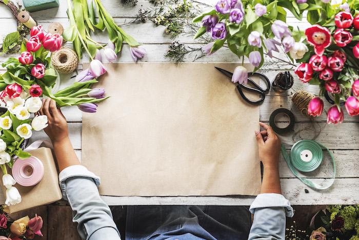 Décoration de bureau image de fleur fond d écran jolie fleurs sur la table