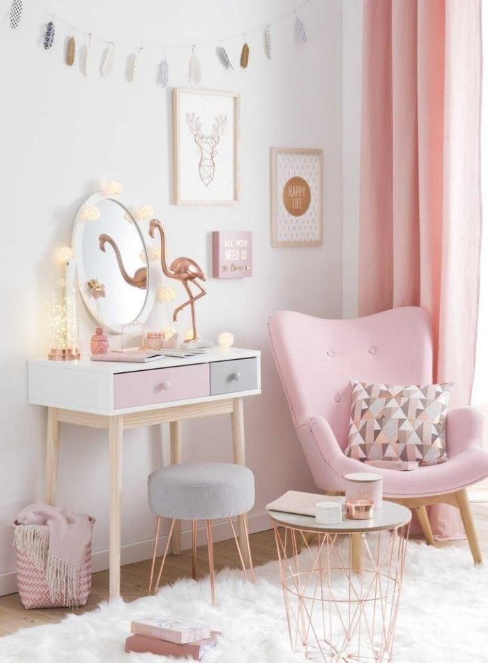 accessoires pour décorer une chambre fille aux murs blancs, modèle de fauteuil papillon rose pastel et table ronde en blanc et rose gold