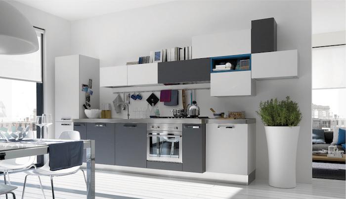 meuble cuisine gris anthracite et blanc, cuisine moderne grise et blanche