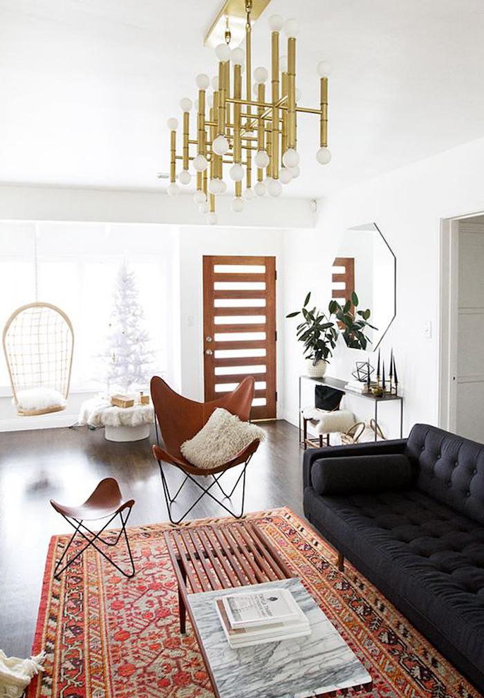 salon moderne avec déco ethnique design, siege en cuir perse, décoration scandinave boheme chic