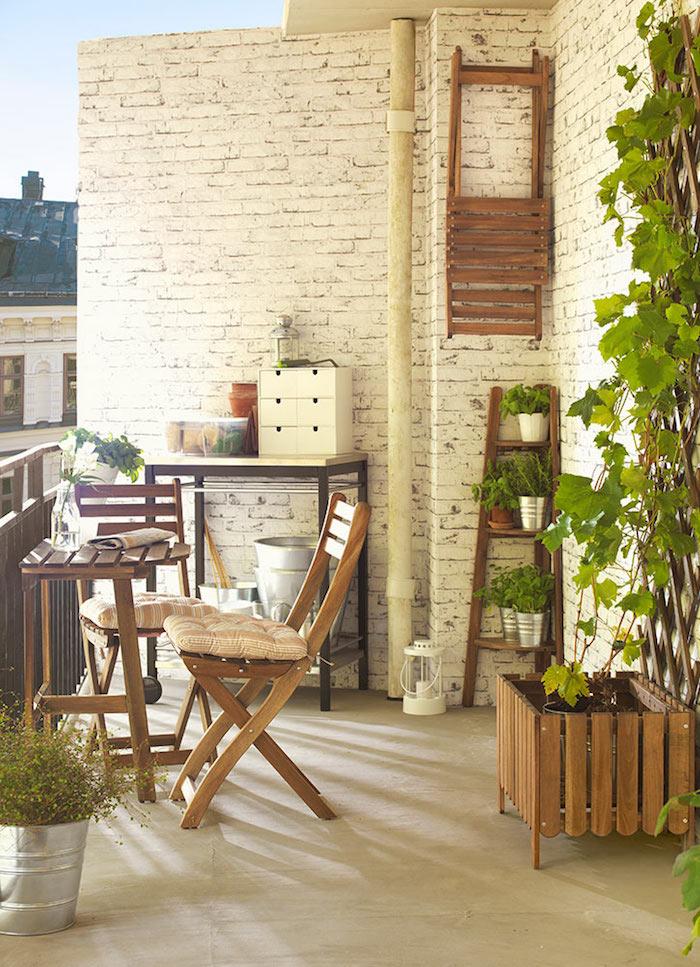 meubles en bois pour terrasses et balcons, jardiniere murale pour lierre
