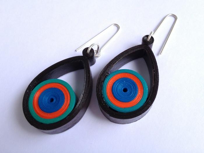 boucles d'oreilles en plusieurs couleurs, pendentifs bariolés élipses