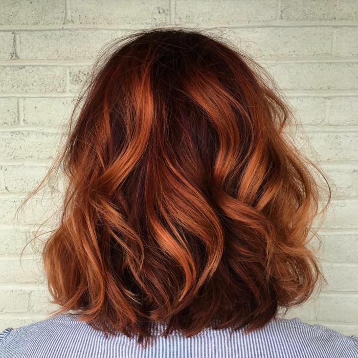 balayage chatain, carré court et mi-long, coiffure moderne style ombré