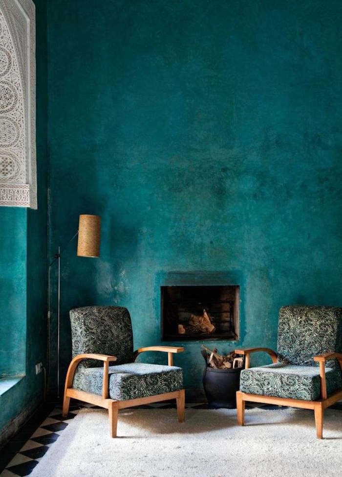 peinture murale couleur bleu canard avec effet retro, intérieur oriental vert d'eau