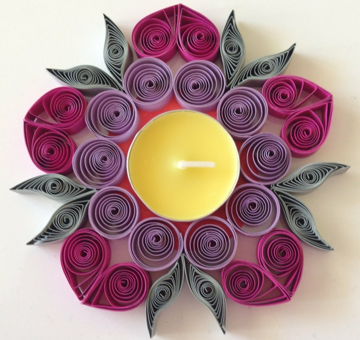 bougeoir quilling, porte-bougies quilling en filigranes colorés lilas et pourpres
