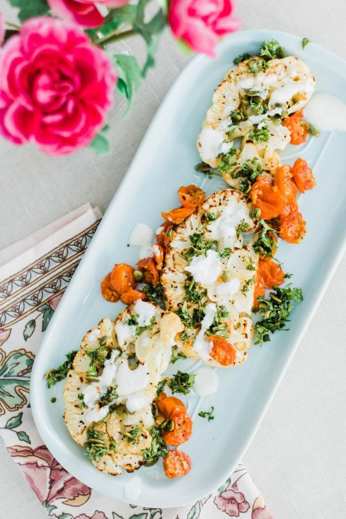 idee repas soir, recette legere, brocoli avec des carottes, plat ovale, épices douces et persil, repas cool pour perdre du poids, ambiance zen