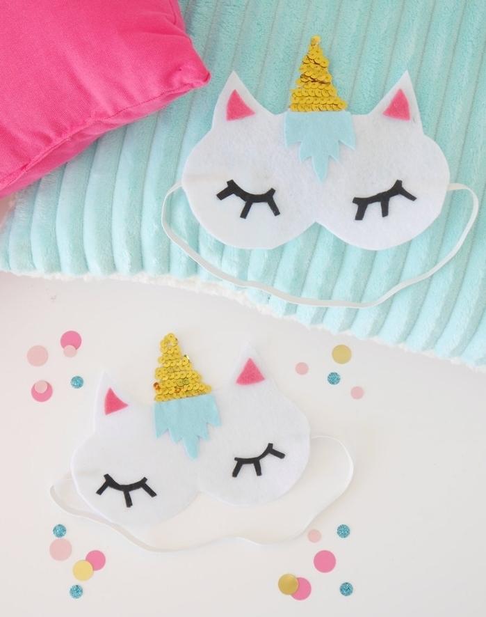 idée originale pour un accessoire licorne personnalisé masque de nuit en feutrine à offrir comme cadeau d'invité