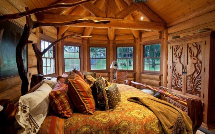 chambre moderne rustique, intérieur chaleureux, lit jaune orange aux motifs ethniques