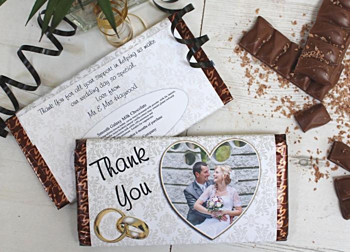 modèle de chocolat avec emballage personnalisé à design photo couple de nouveaux mariés et remerciement